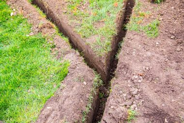 ...idealer Gräben für die Verlegung...